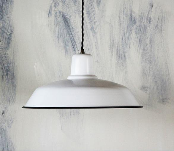 Old School Lamp - matt white