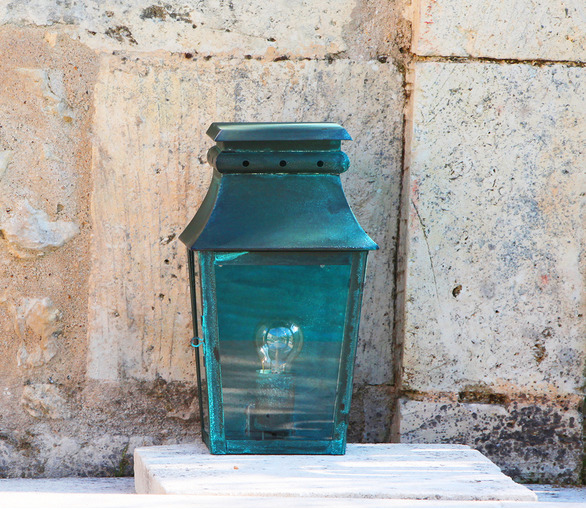 Ussé Wall Lantern